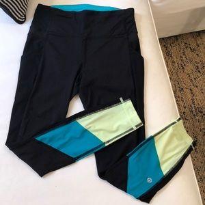 7/8 lululemon leggings size 4